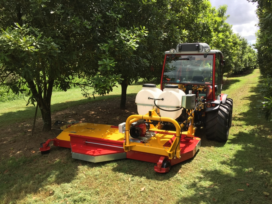 Antonio Carraro TTR 10900 with Ilmer Mower