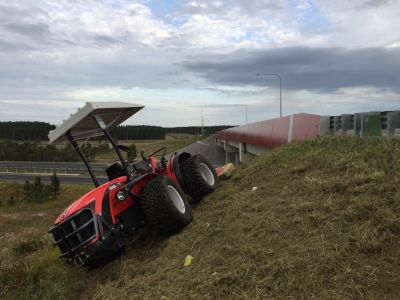 Antonio Carraro TRH 9800 with Ilmer Mower